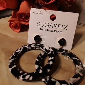 Black & White Acrylic/ Dryzy Hoops NWT